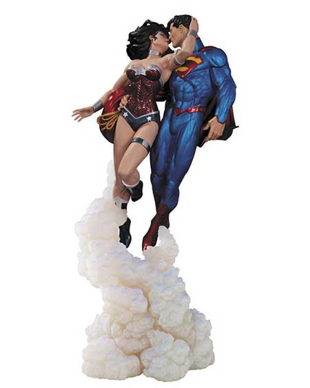 The Kiss - Superman et Wonder Woman